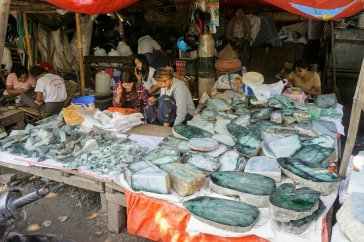 dsc06189 mandalay jade market~22114331234..jpg