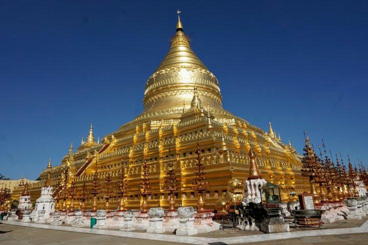 dsc06917bagang shwezigon pagoda~2-297568681..jpg
