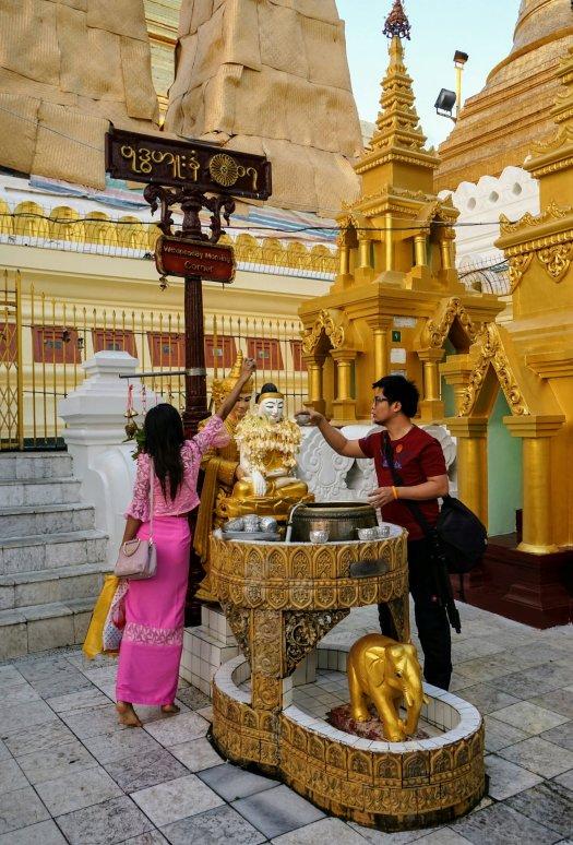 dsc08172 yangon shwedagon~21081796752..jpg